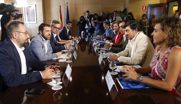PP y C's volverán a reunirse el lunes por un pacto de investidura