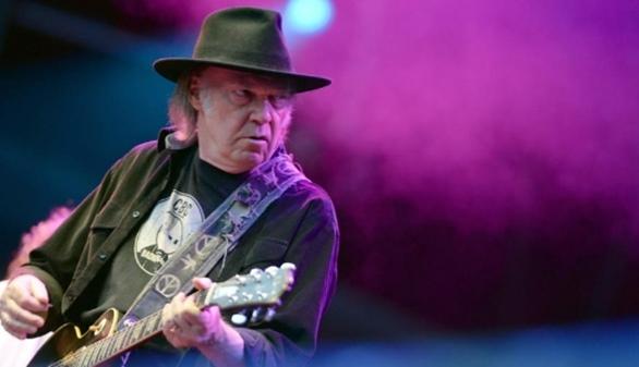 Neil Young electriza Madrid en un concierto que quedará para el recuerdo