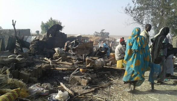Al menos 52 muertos al bombardear Nigeria por error un campo de refugiados