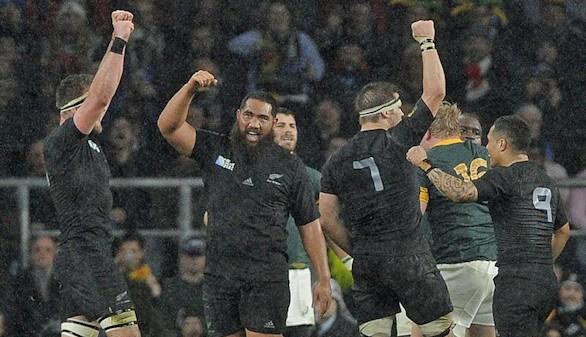 Nueva Zelanda resiste ante Sudáfrica y defenderá su título de campeón