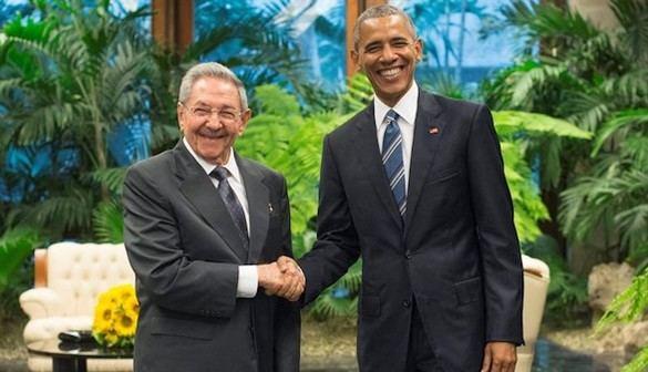 Comienza la histórica reunión entre Obama y Castro