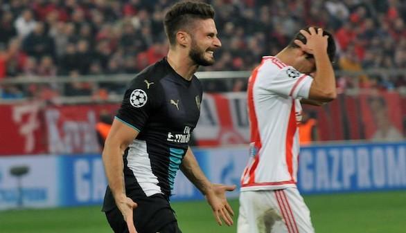 Giroud rompe la maldición del Arsenal en El Pireo