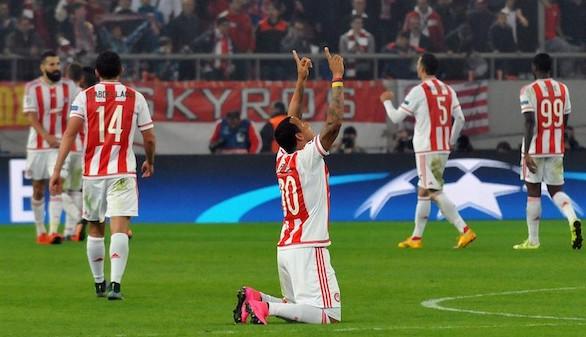 Felipe Pardo acerca a Olympiacos a octavos con un rescate agónico