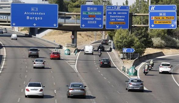 Tráfico denso hacia el Levante, pero sin atascos importantes