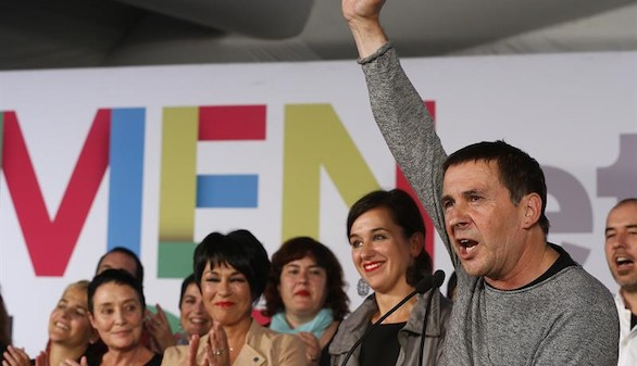 Eta celebra la victoria del 'derecho a decidir' en las elecciones vascas