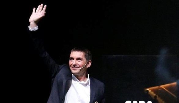 Otegui incita a un pueblo vasco