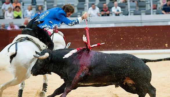 El toro en México. Lo horroroso de Hermoso, por Bardo de la Taurina
