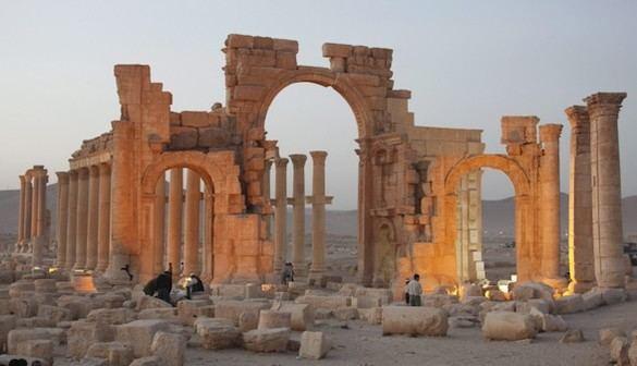 El Ejército sirio comienza el asedio sobre Palmira
