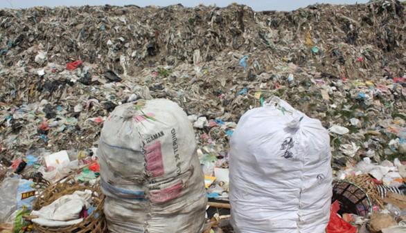 El problema del plástico: se ha producido tanto como 822.000 torres Eiffel