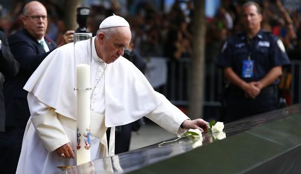 El Papa visita la 'zona cero' de Nueva York y llena el Madison Square Garden