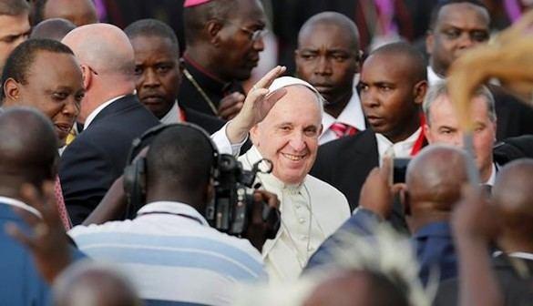 El Papa inicia en el corazón de África su viaje más peligroso