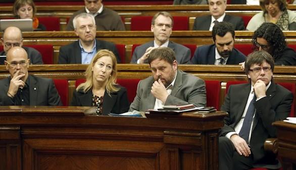 El Parlament reta al Estado y ratifica la declaración de ruptura
