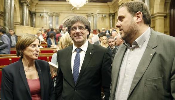 Sáenz de Santamaría insta a Cataluña a