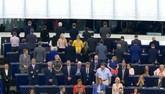Eurodiputados del Brexit Party dan la espalda al himno europeo