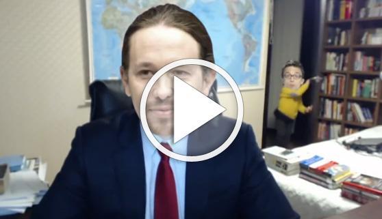 Vídeos virales. La entrevista de la BBC a lo Podemos