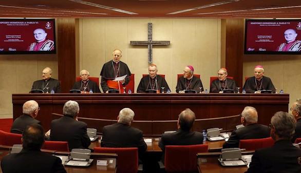 Crónica religiosa. Pablo VI, el Papa de la paz, en España