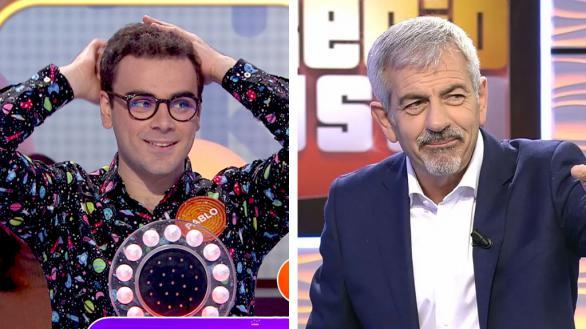 Pablo Díaz, concursante de 'Pasapalabra' en Antena 3, y Carlos Sobera presentando 'El precio justo' en Telecinco.