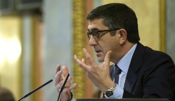 El Congreso estudia llevar al TC el plante de Morenés
