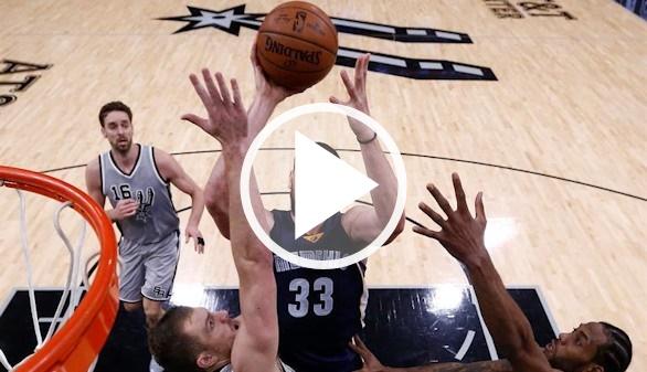 NBA. Pau Gasol gana a Marc en la apertura de los playoffs