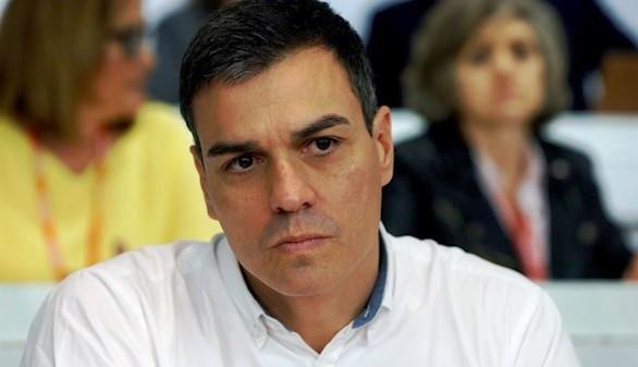 El PSOE rechaza la gran coalición pero medita dejar gobernar al PP