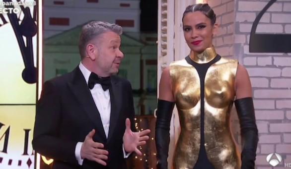 El vestido-armadura de Pedroche, lo más comentado de las campanadas 2020
