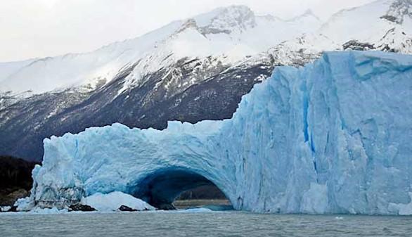 El glaciar Perito Moreno inicia su espectacular proceso de ruptura natural