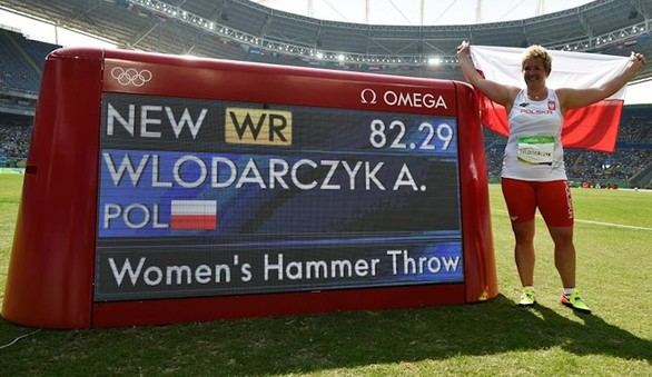 Wlodarczyk gobierna el martillo femenino
