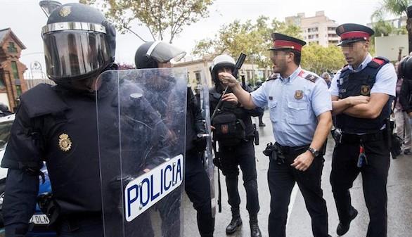 Los fiscales acusan a los Mossos de poner en riesgo el Estado de derecho