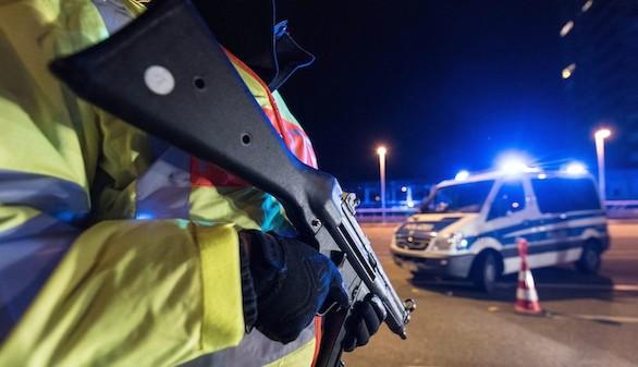 La Policía cerca a los terroristas