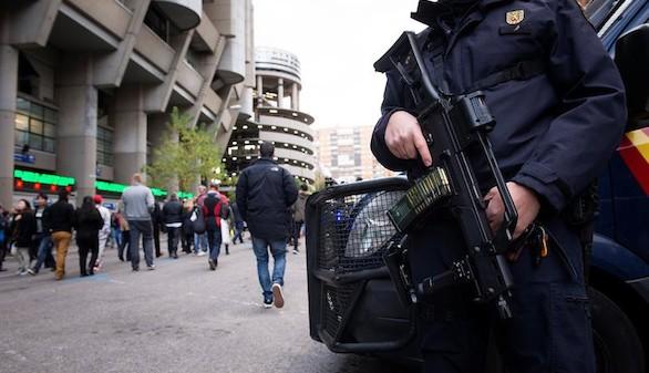 Normalidad y seguridad máxima en el Real Madrid-Barcelona