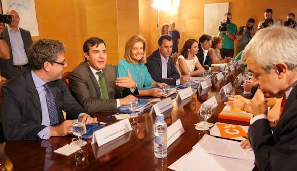 La regeneración democrática marca la cuarta reunión PP-C's