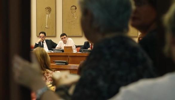 Los críticos del PSOE insisten en que no están dispuestos a abstenerse