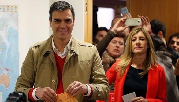 Pedro Sánchez: 'Huele a cambio' en una 'jornada histórica'