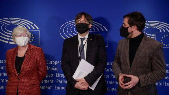 El Parlamento Europeo da el primer paso para levantar la inmunidad de Puigdemont
