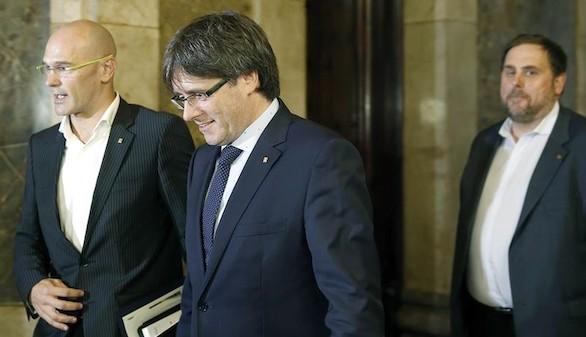 Rajoy coincidirá con Puigdemont en Oporto tras el nuevo desafío independentista