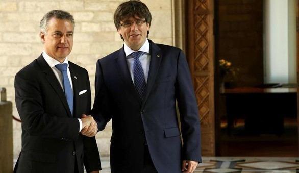 Puigdemont y Urkullu unen fuerzas contra la