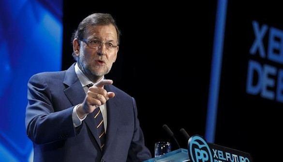 Rajoy acusa a Podemos y a PSOE de apropiarse alcaldías donde ganó el PP