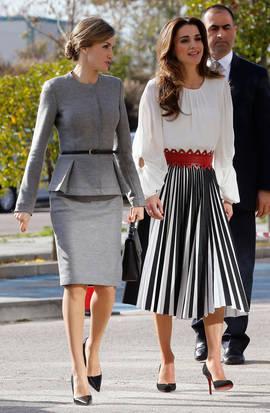 Doña Letizia y Rania de Jordania este viernes en Madrid. Efe