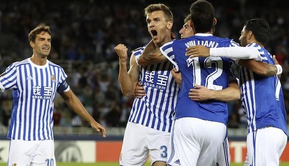 Dos goles de Diego Llorente remarcan la goleada de la Real  4-0