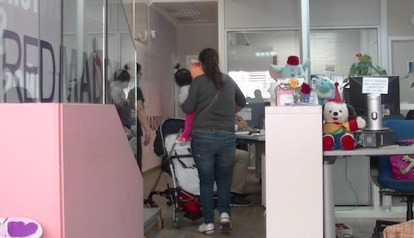 Nueve de cada diez madres que piden ayuda en Fundación REDMADRE siguen con su embarazo