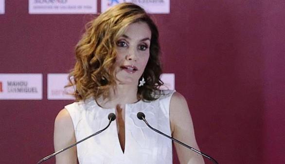 La Reina Letizia reclama 'un debate serio en torno a los horarios'