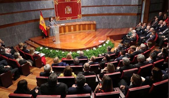 Doña Letizia pide combatir la violencia de género con el Estado de Derecho y la educación