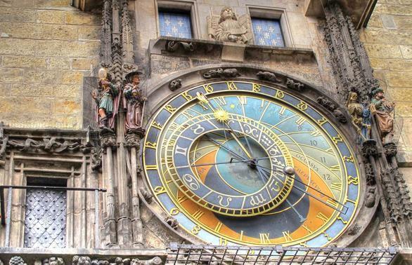 Comienza la restauración del reloj astrónomico de Praga