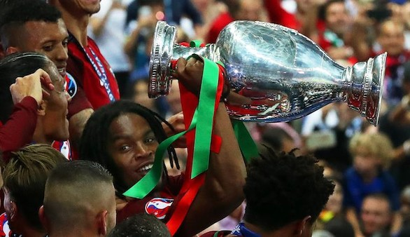 La UEFA designa a Renato Sanches como mejor joven de la Eurocopa