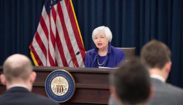 Histórica subida de tipos de la Reserva Federal por primera vez en diez años