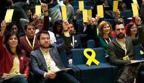 ERC tienta a Sánchez a cambio de 'influir' en la Abogacía