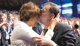 Un Rajoy neutral y triunfal se marcha con reproches a Aznar