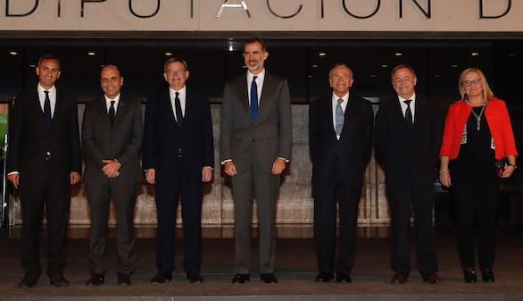Fainé propone al Rey como presidente de honor de los directivos y ejecutivos