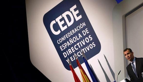 Felipe VI insta a los directivos a