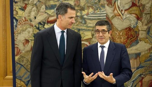 Patxi López presenta al Rey la misma lista para la nueva ronda de consultas